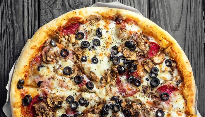 olive pizza